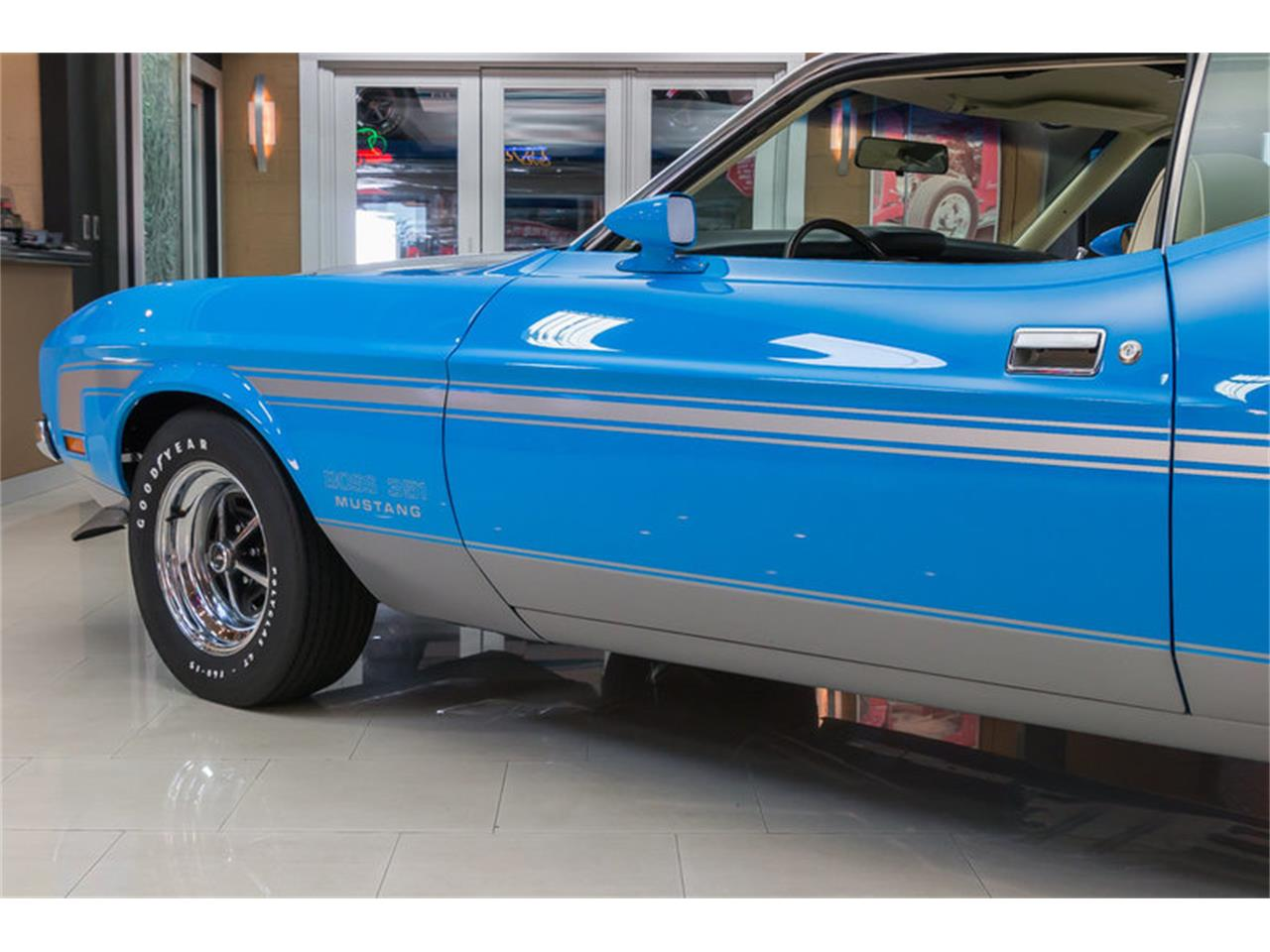 Large Picture of 1971 Mustang - IW4B