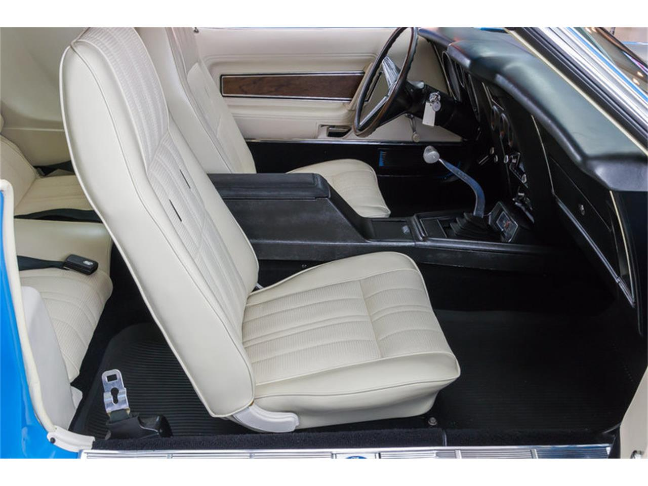 Large Picture of Classic '71 Ford Mustang located in Michigan - $79,900.00 Offered by Vanguard Motor Sales - IW4B