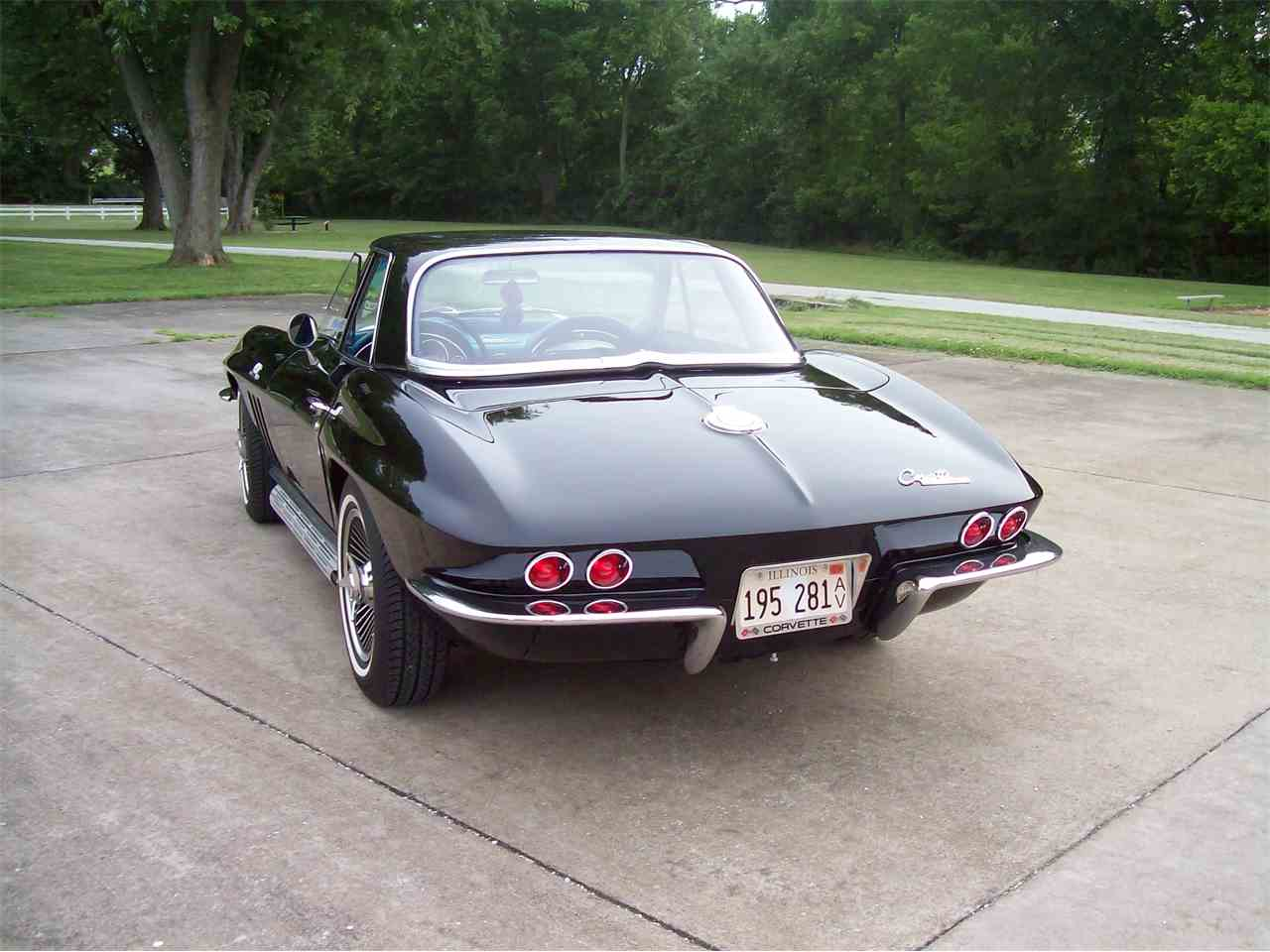 Large Picture of '65 Corvette - IWGN