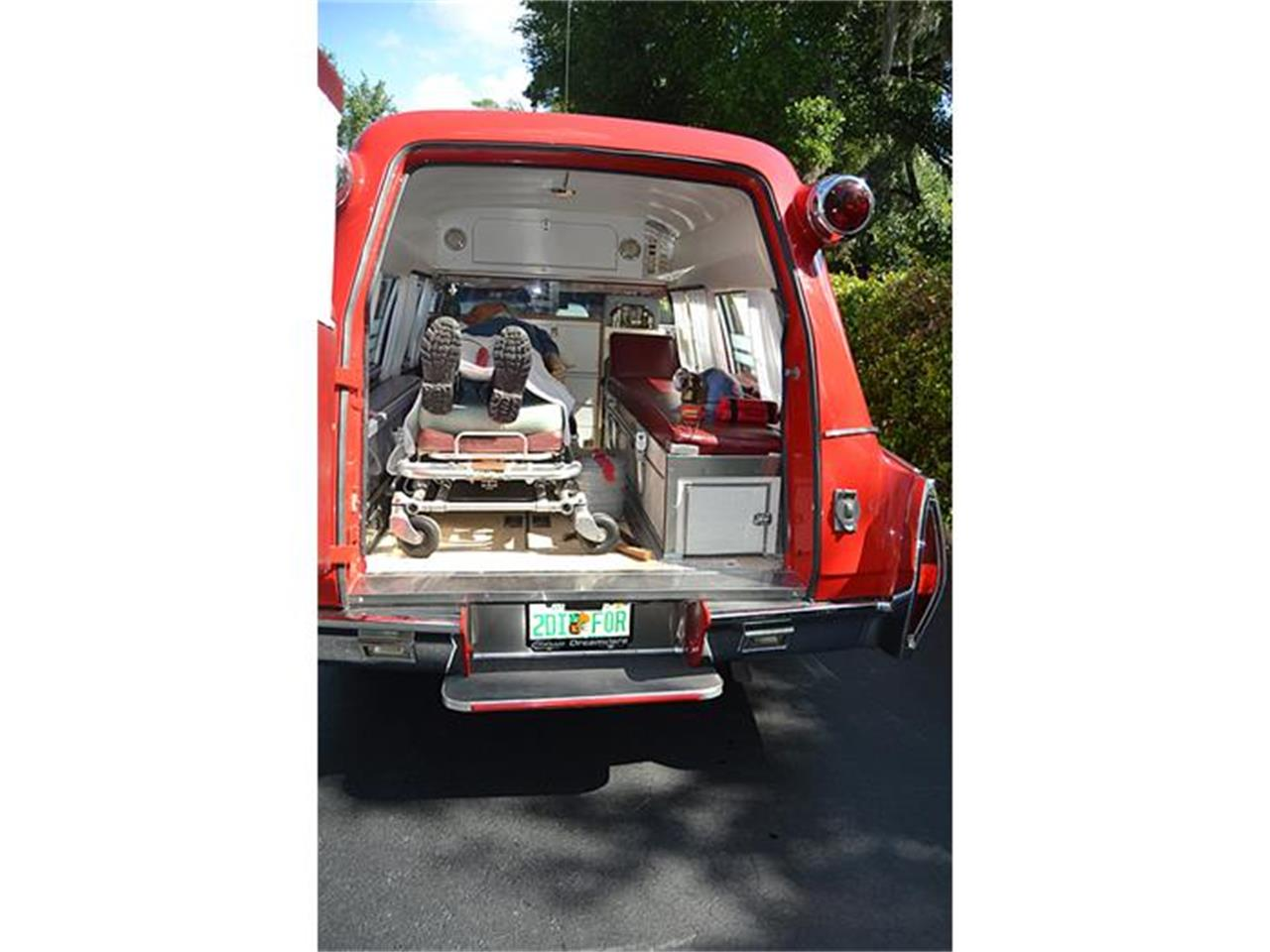 Large Picture of '72 Cadillac S&S Kesington Professional Ambulance - $47,500.00 Offered by Classic Dreamcars, Inc. - IWNH