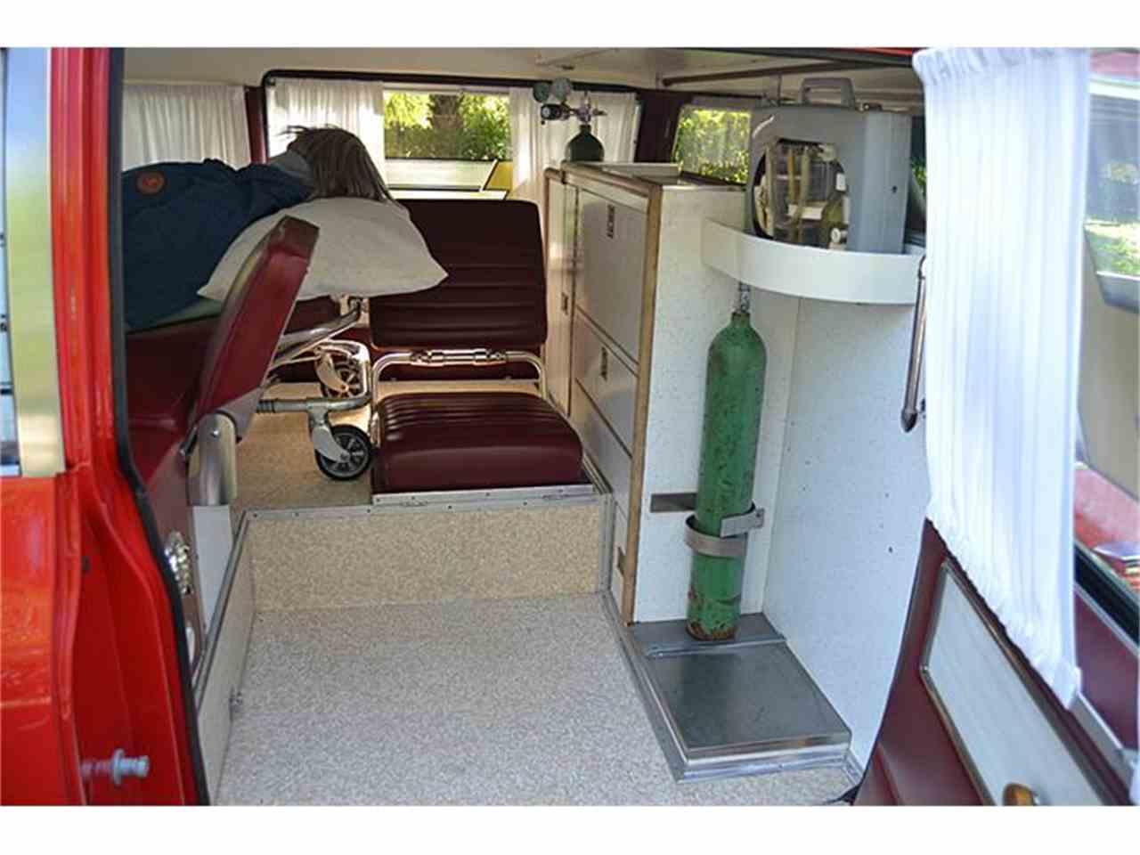 Large Picture of '72 S&S Kesington Professional Ambulance - IWNH