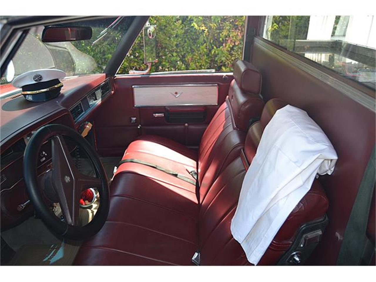 Large Picture of Classic 1972 Cadillac S&S Kesington Professional Ambulance - IWNH