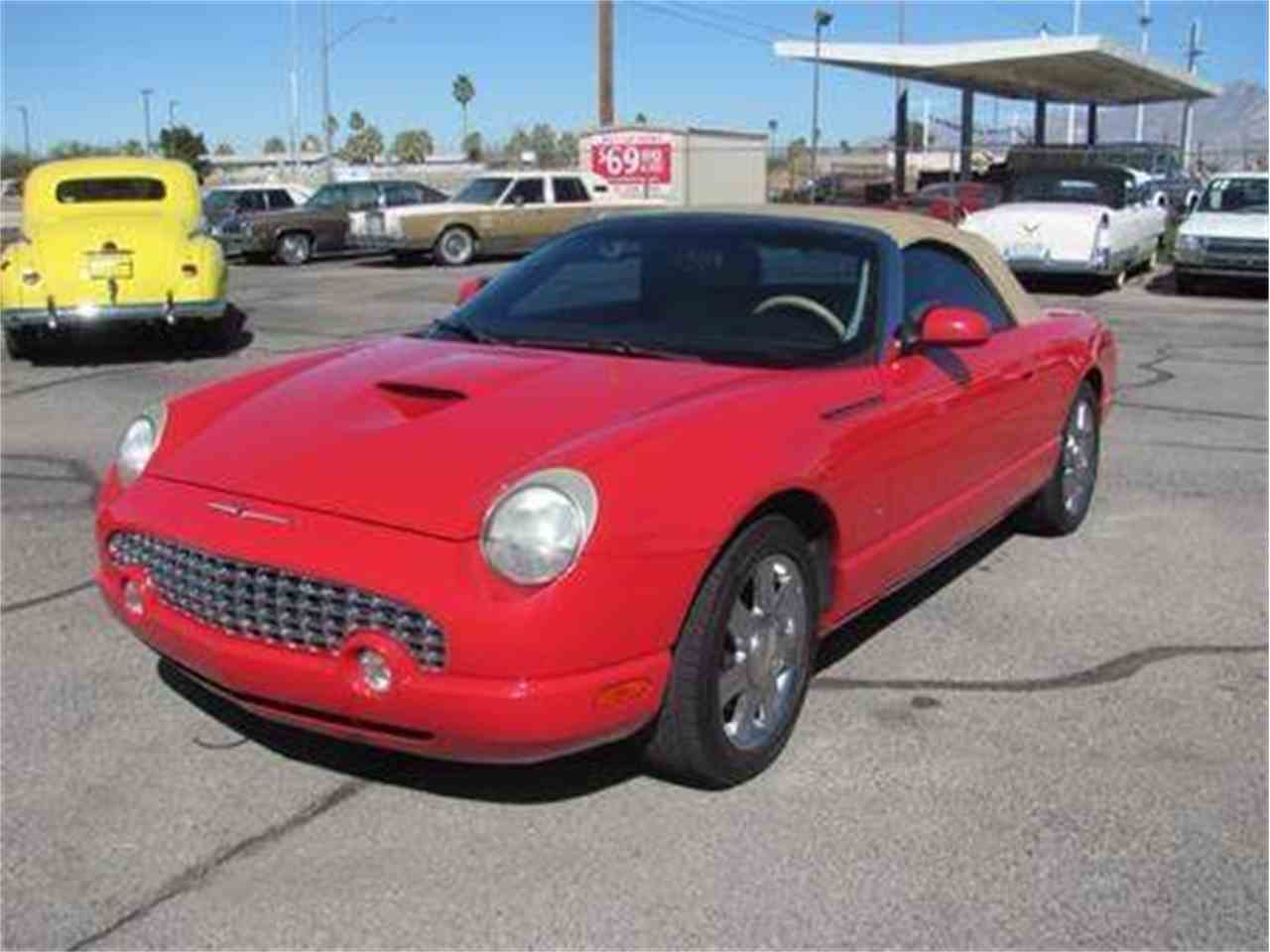 Large Picture of '04 Thunderbird located in Arizona - $15,500.00 Offered by Suburban Motors - IWX5