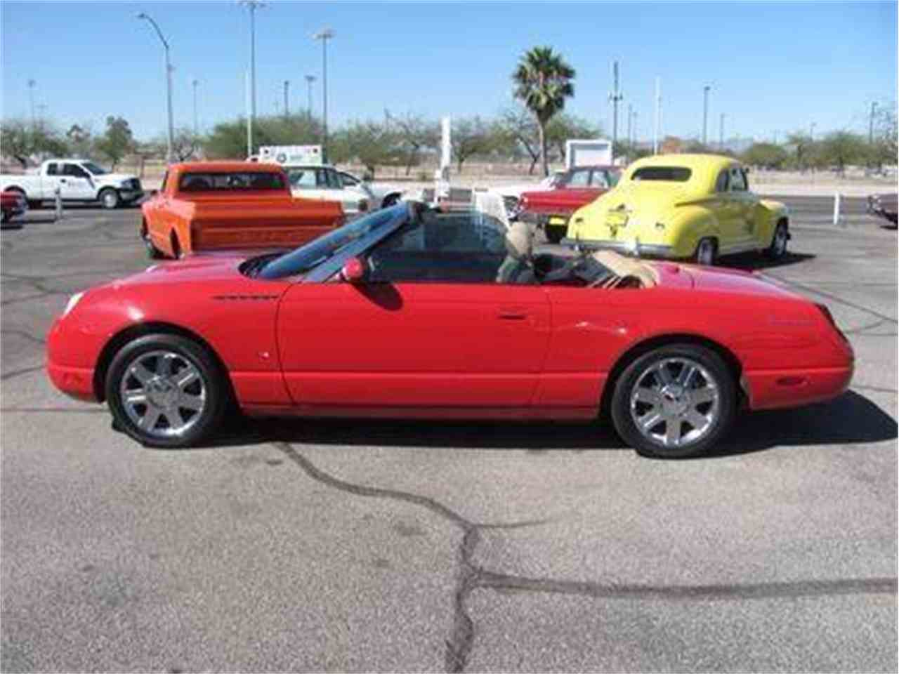 Large Picture of '04 Thunderbird located in Tucson Arizona Offered by Suburban Motors - IWX5