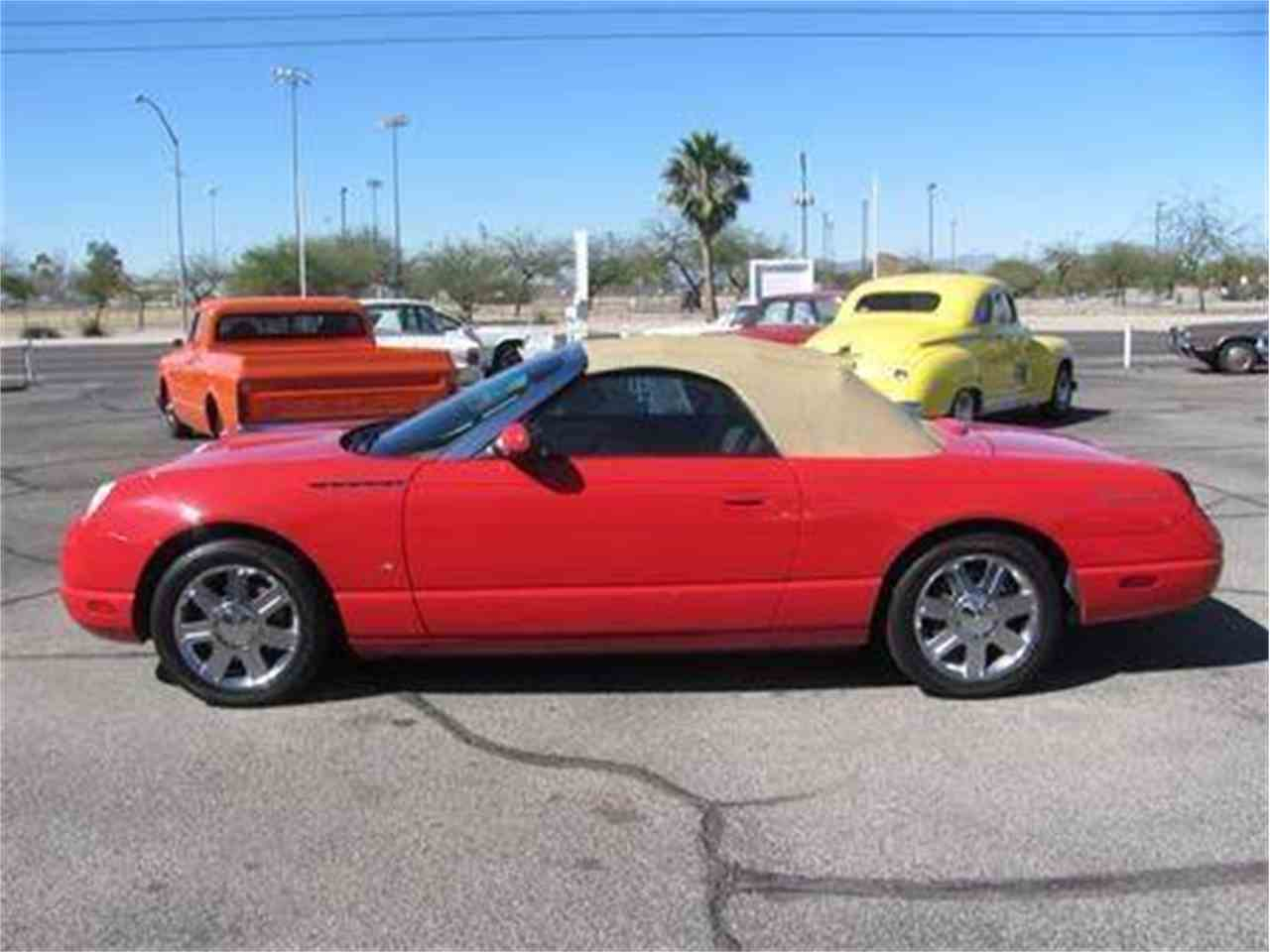 Large Picture of '04 Ford Thunderbird located in Tucson Arizona Offered by Suburban Motors - IWX5