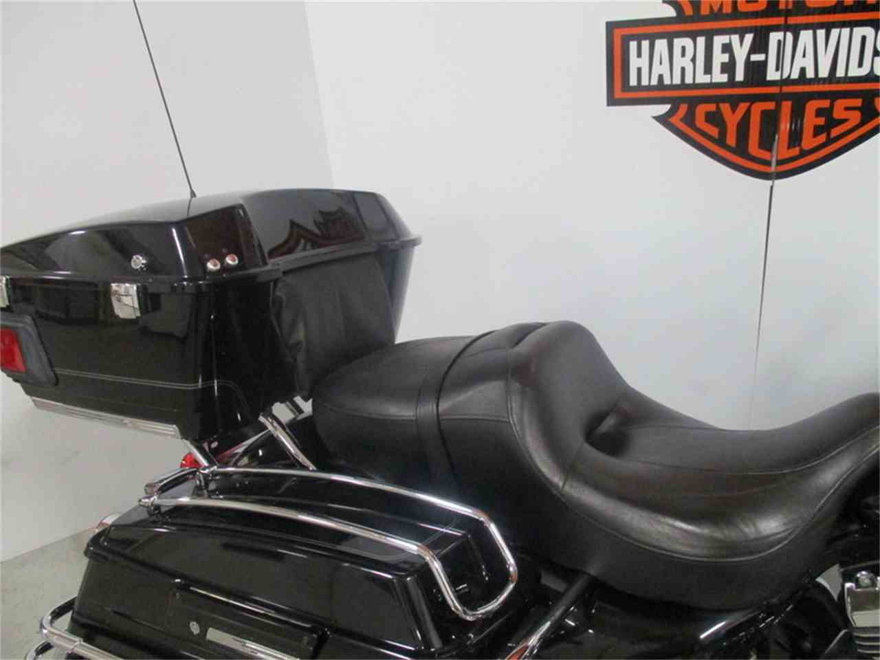 Large Picture of '10 FLHTC - Electra Glide® Classic - IX5D