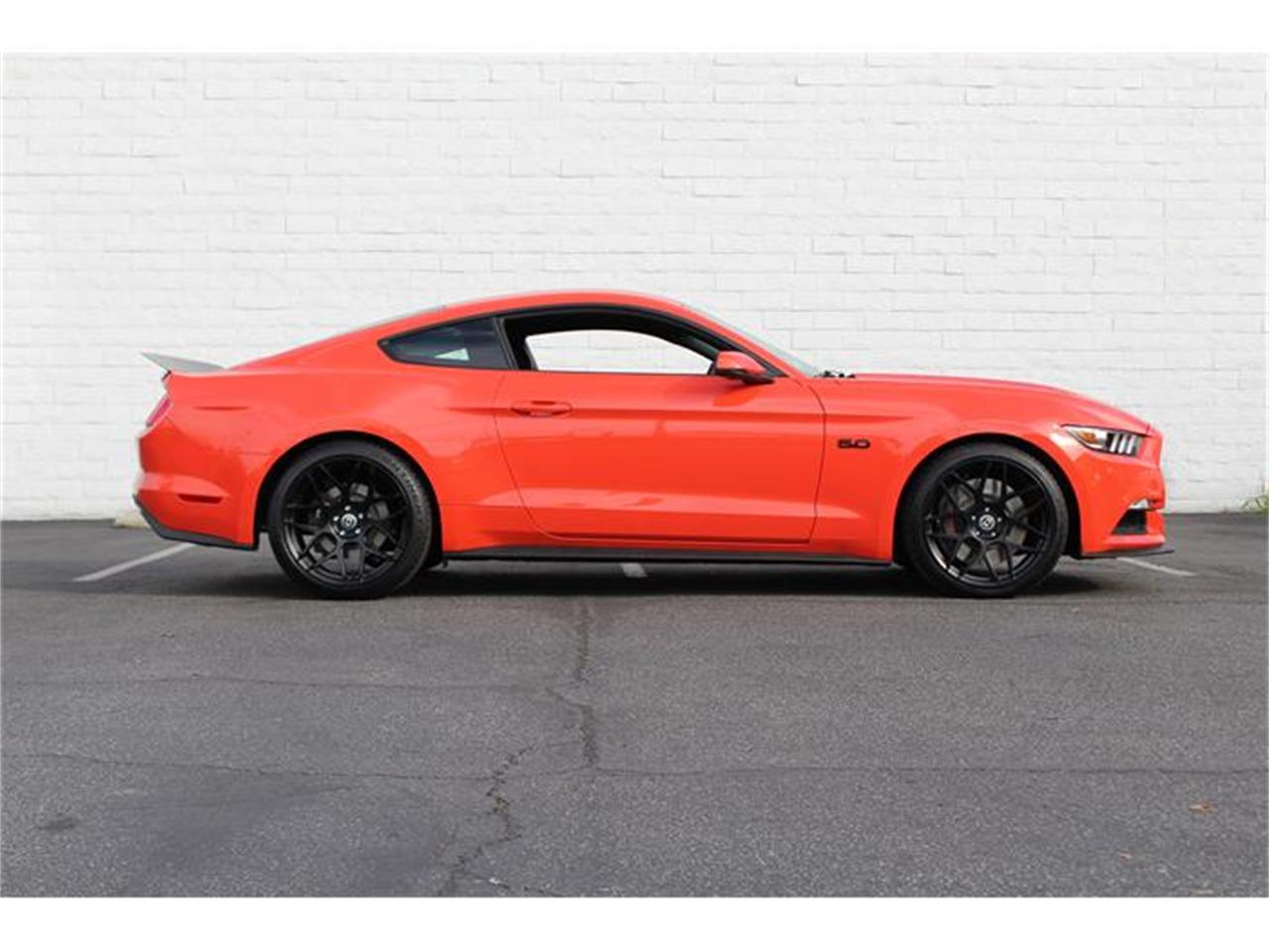 Large picture of 15 mustang gt iz50