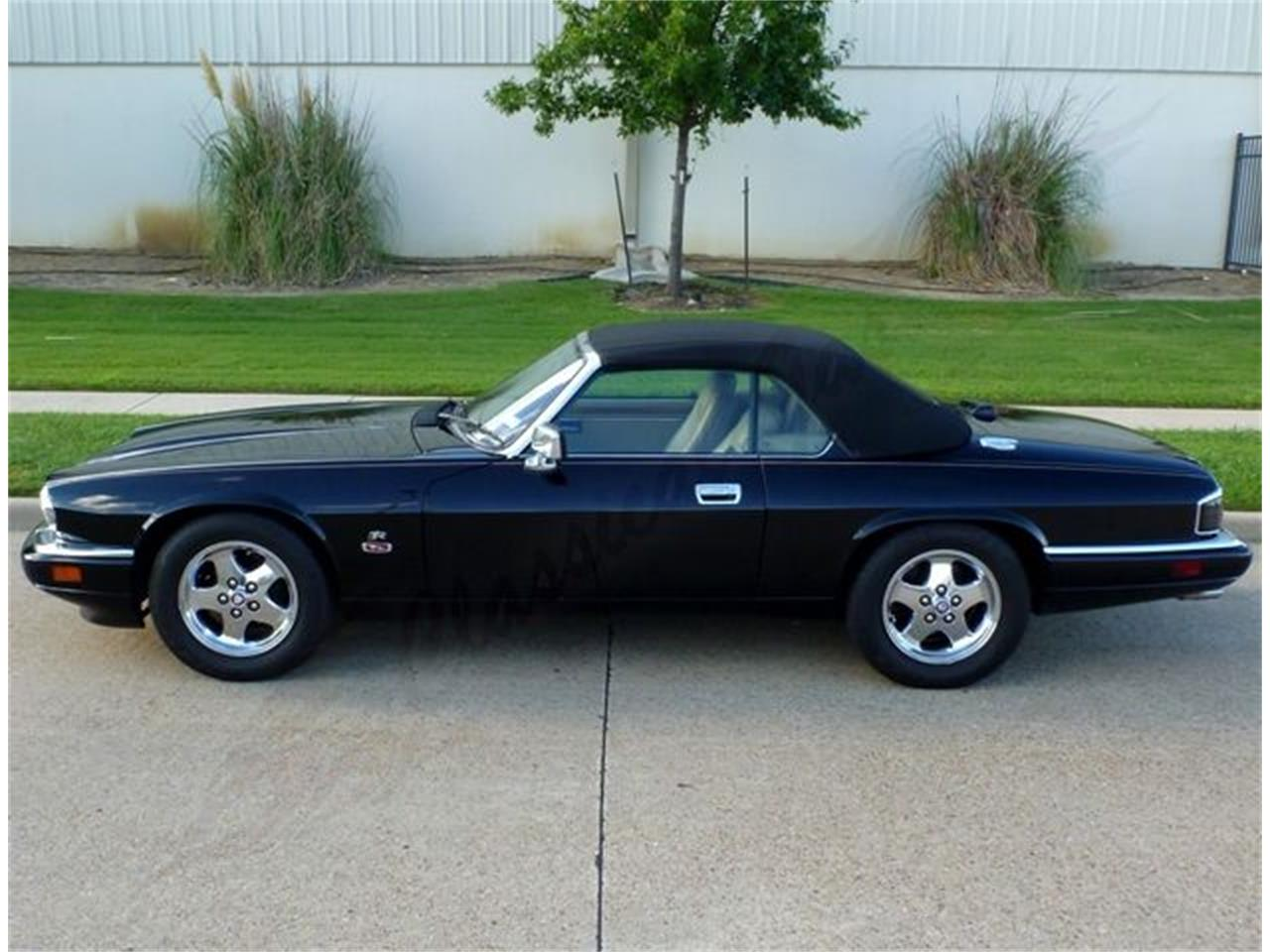 Large Picture of '95 Jaguar XJS located in Texas Offered by Classical Gas Enterprises - J02F