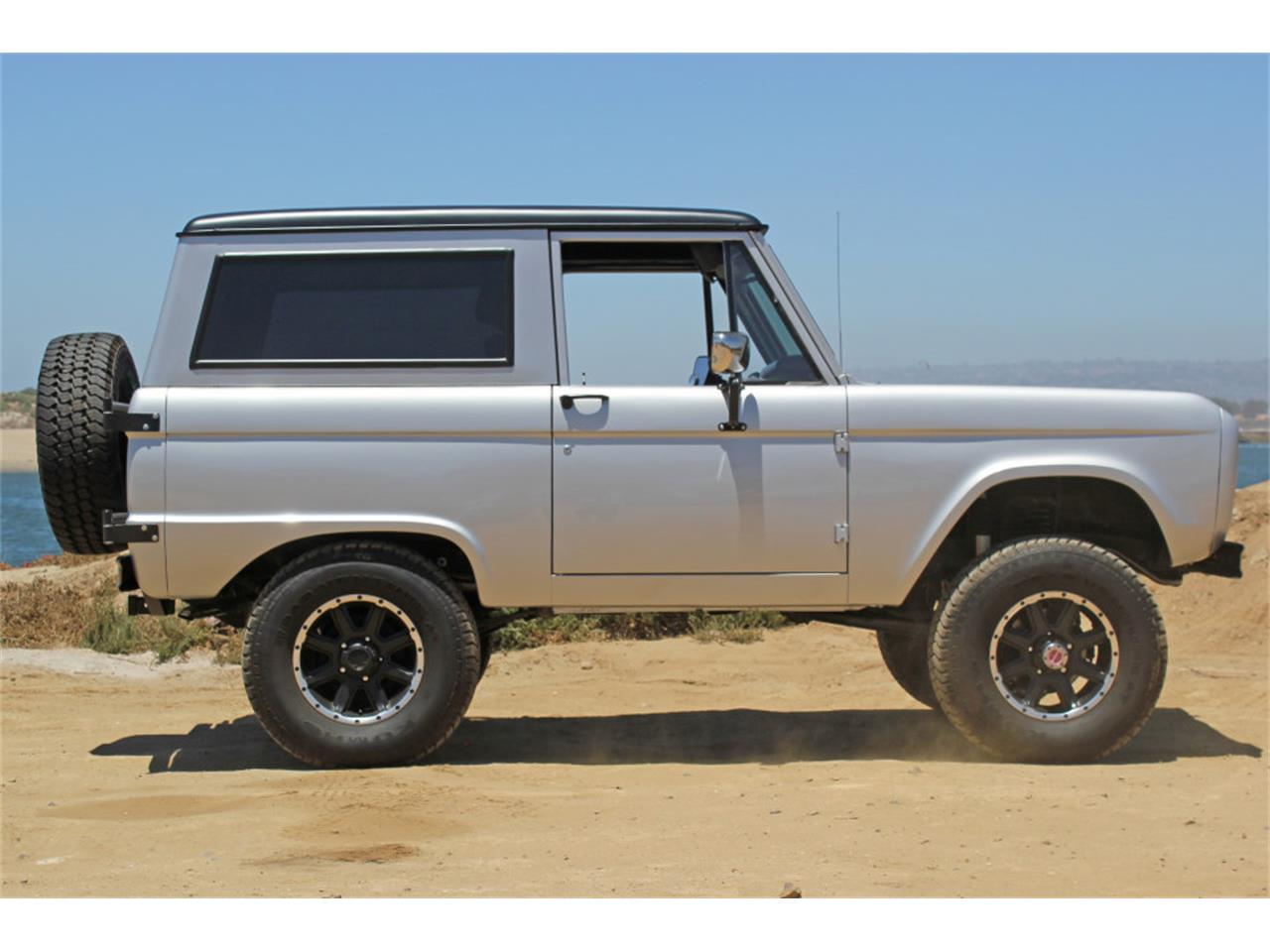 Large Picture of Classic '69 Bronco - $45,900.00 - J04E