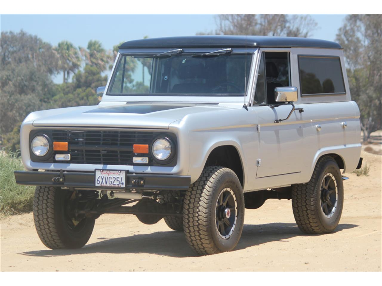 Large Picture of Classic '69 Ford Bronco - $45,900.00 - J04E