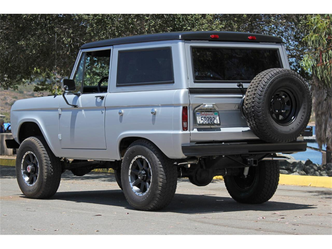 Large Picture of Classic '69 Bronco - J04E