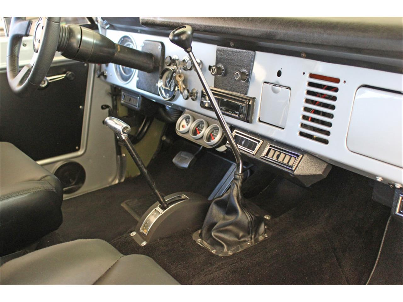 Large Picture of '69 Ford Bronco located in San Diego California - $45,900.00 - J04E