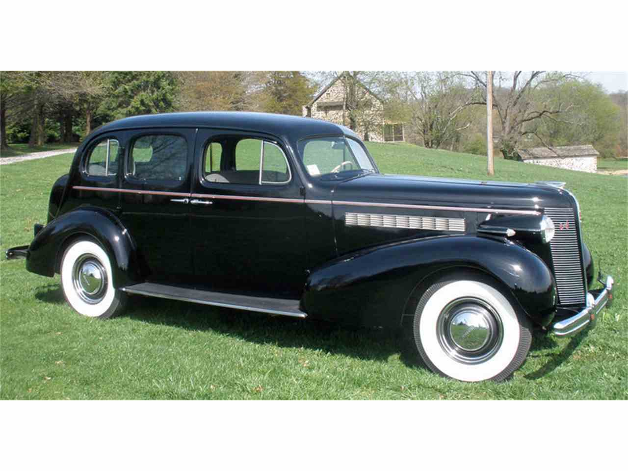 Large Picture of 1937 Roadmaster - $27,500.00 - J04H