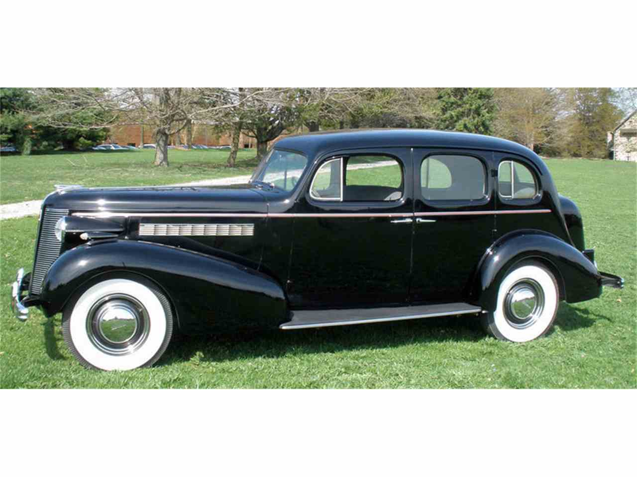 Large Picture of Classic '37 Buick Roadmaster Offered by Connors Motorcar Company - J04H