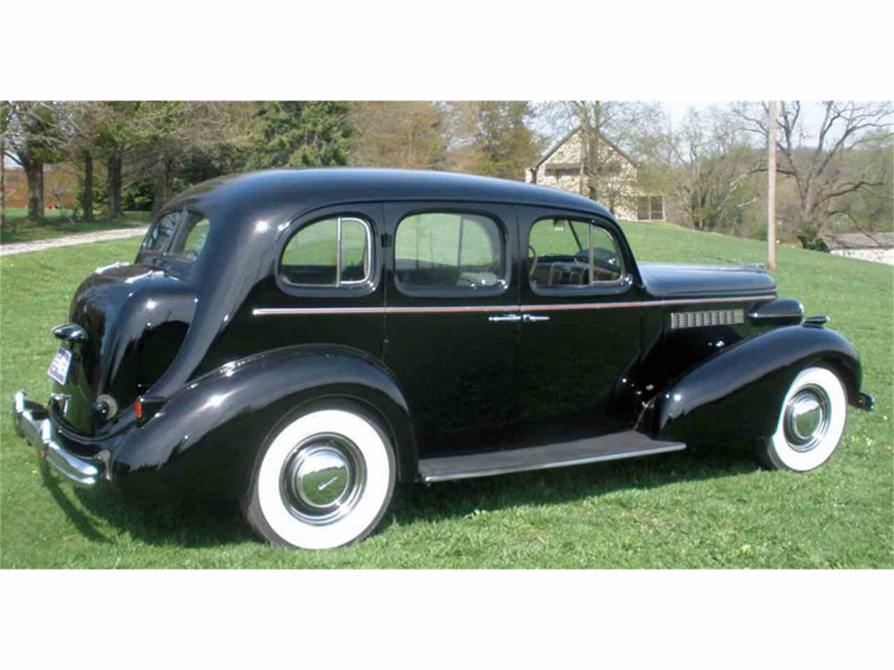 Large Picture of 1937 Buick Roadmaster located in West Chester Pennsylvania - J04H