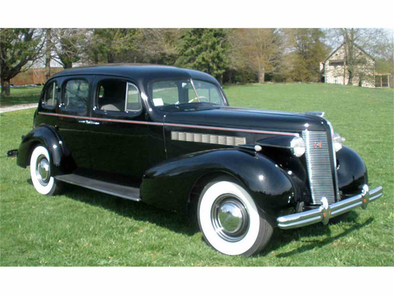 Large Picture of '37 Roadmaster - $27,500.00 Offered by Connors Motorcar Company - J04H