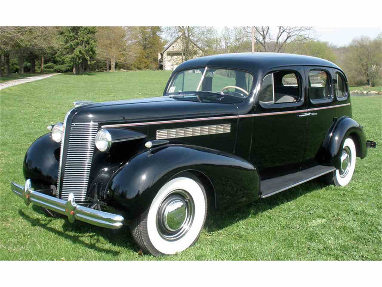 Large Picture of Classic 1937 Roadmaster located in Pennsylvania - J04H