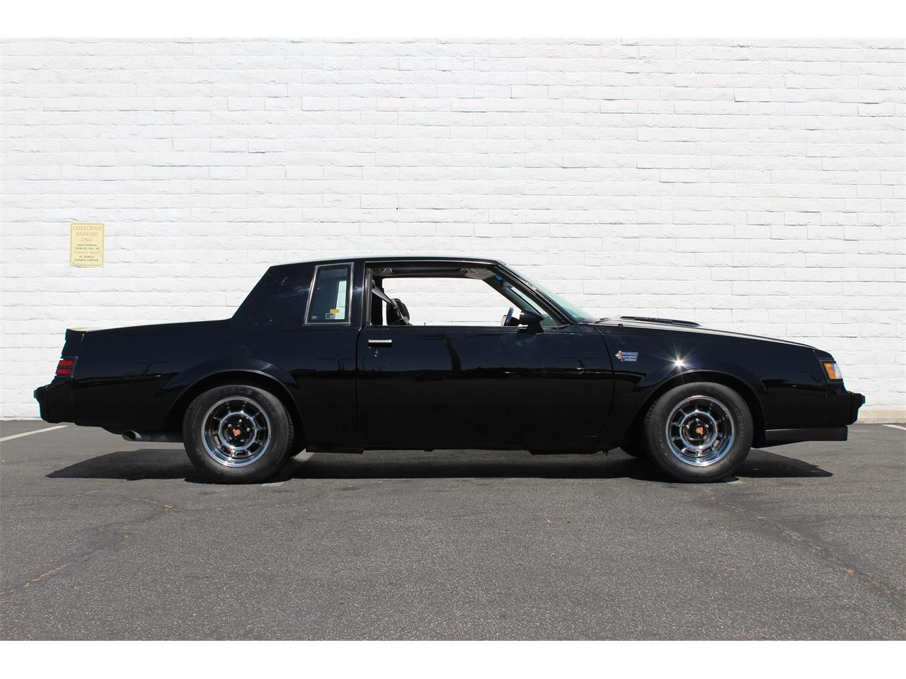 Large Picture of '87 Buick Grand National located in California - J062