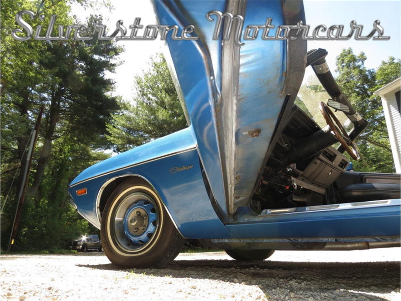 Large Picture of '71 Challenger Offered by Silverstone Motorcars - J0QS