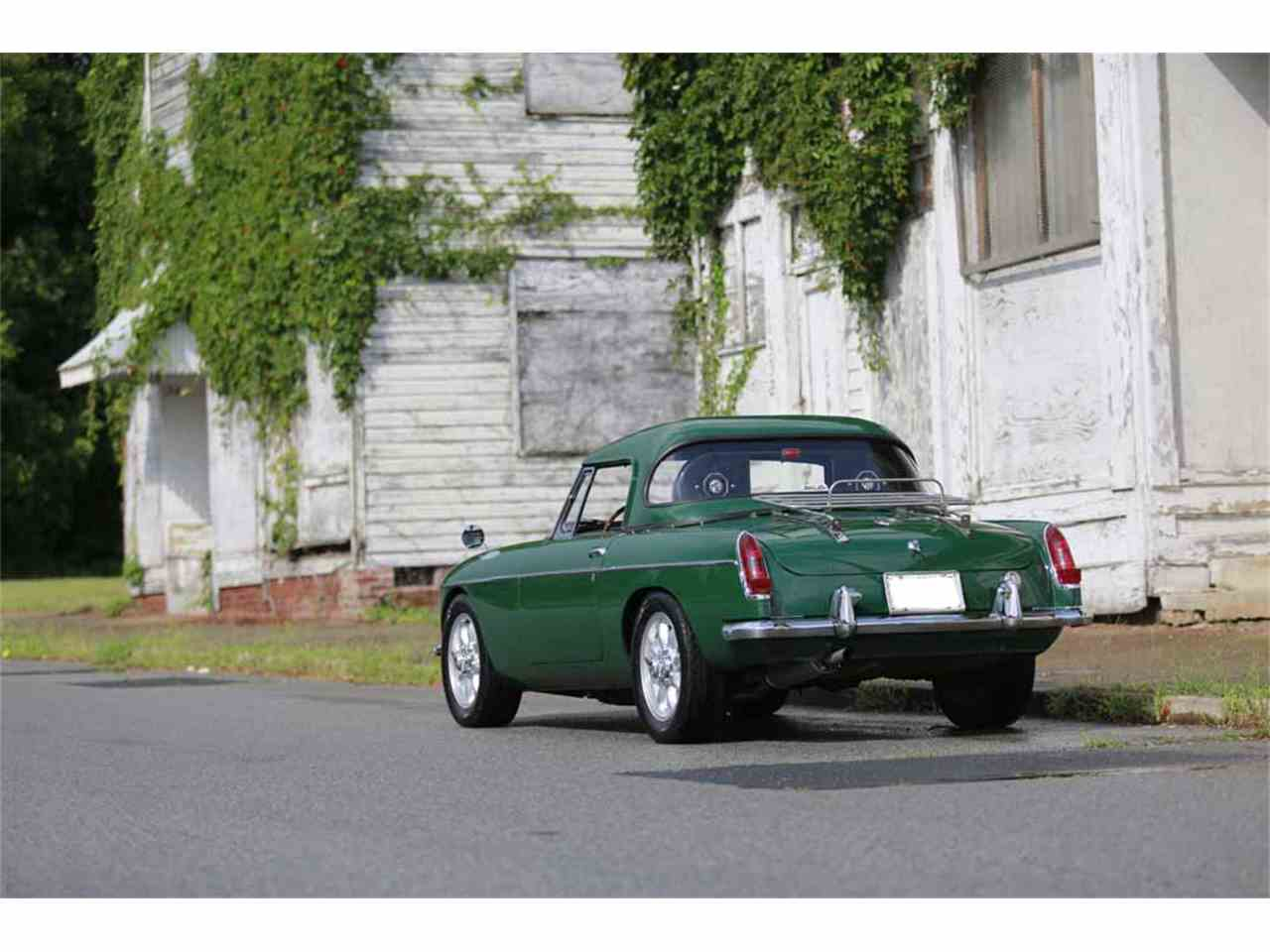 Large Picture of 1965 MG MGB located in Virginia  Auction Vehicle - J14W