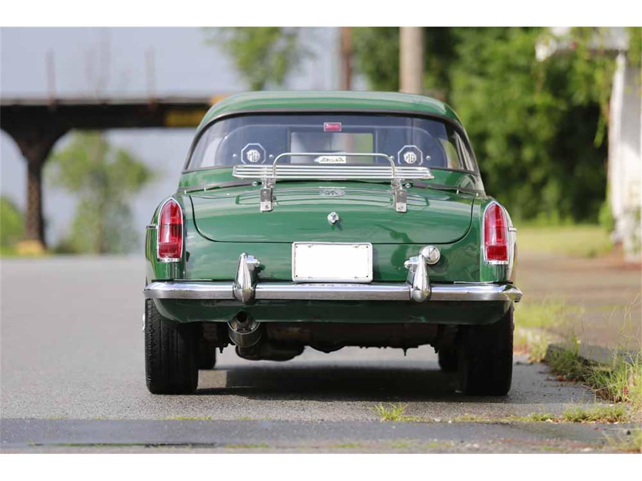Large Picture of Classic '65 MG MGB Auction Vehicle Offered by Gassman Automotive - J14W