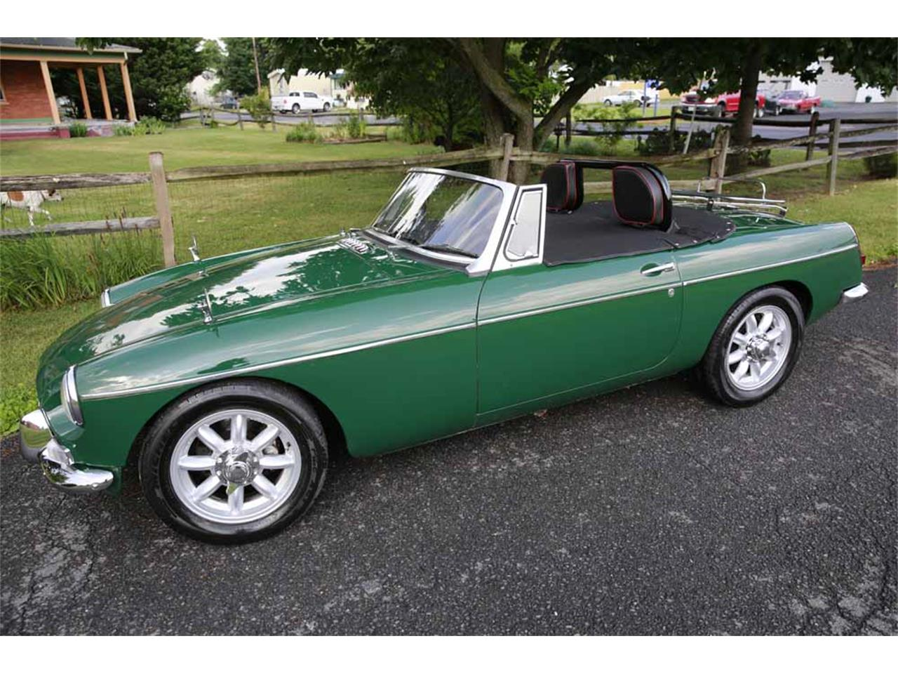 Large Picture of 1965 MGB Auction Vehicle - J14W