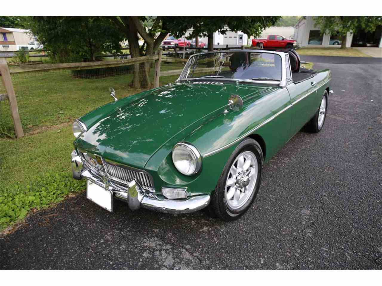Large Picture of Classic '65 MG MGB - J14W