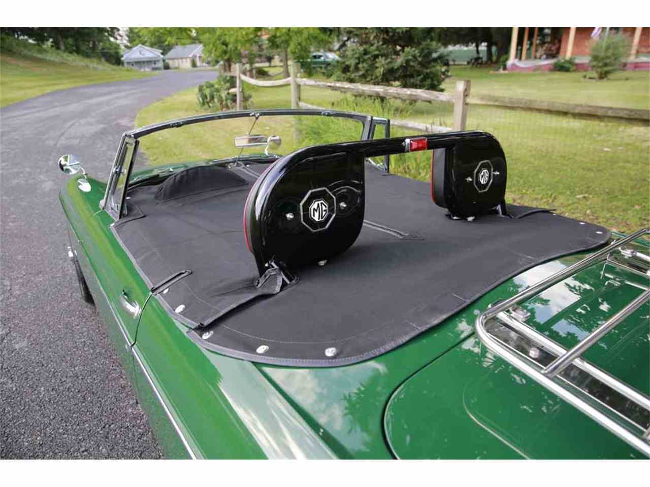 Large Picture of Classic 1965 MG MGB Auction Vehicle Offered by Gassman Automotive - J14W