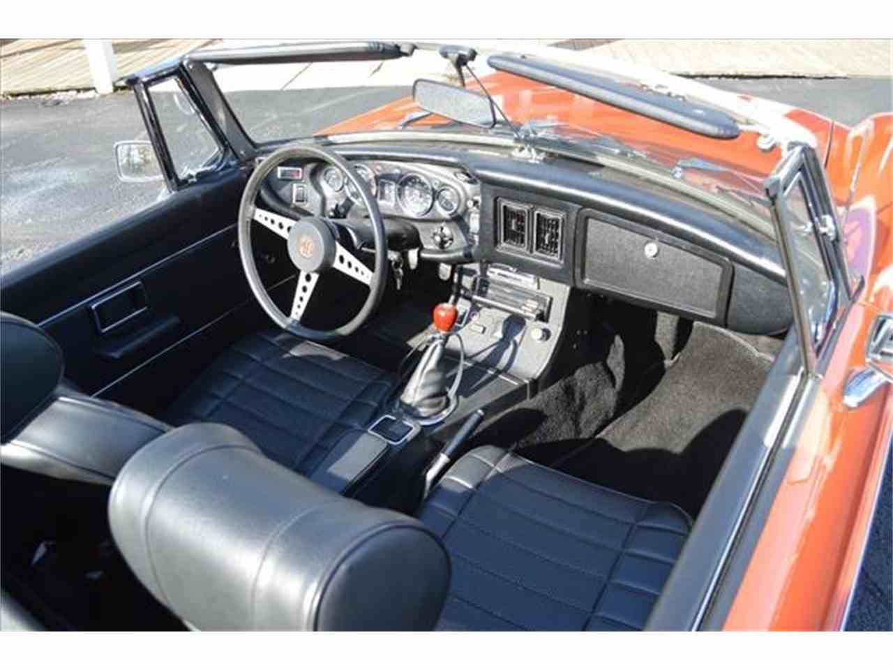 Large Picture of '72 MGB - J167
