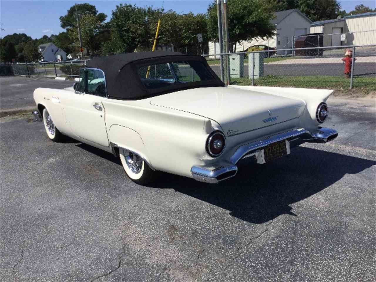 Large Picture of '57 Thunderbird - J1D7