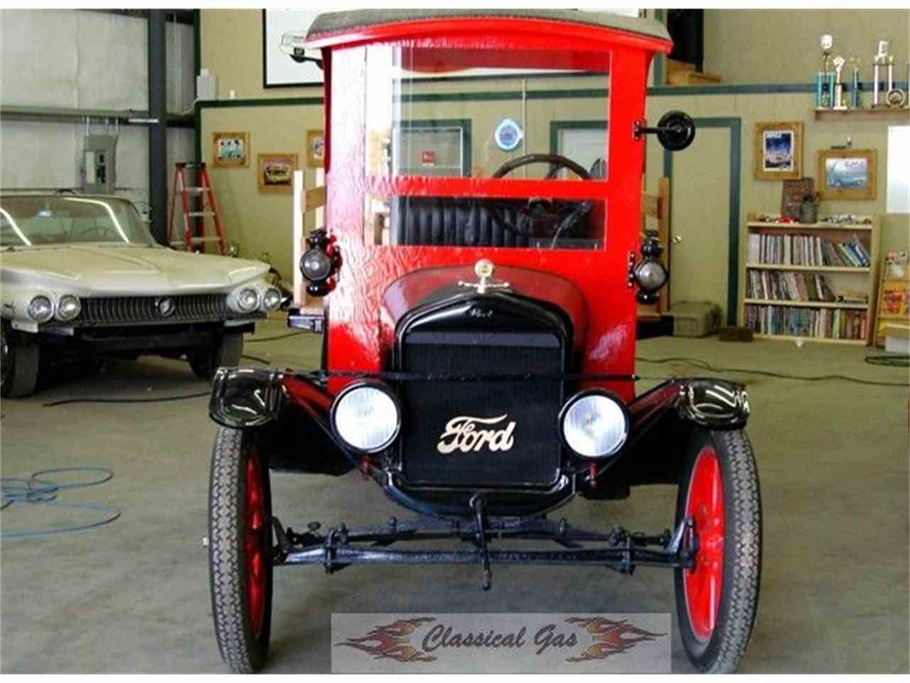Large Picture of Classic 1924 Model T - J1E3