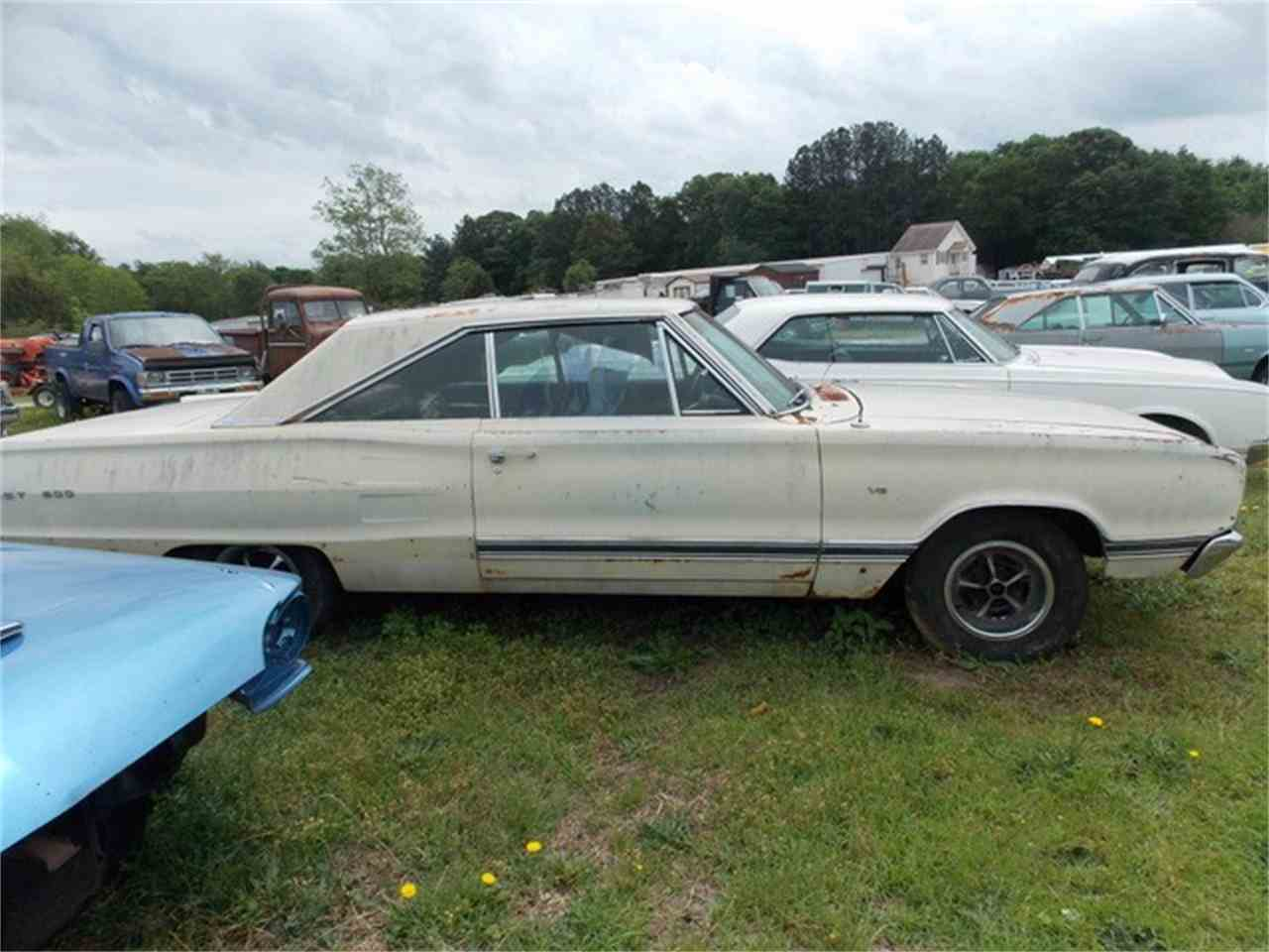 Large Picture of '67 Coronet 500 - J1N2