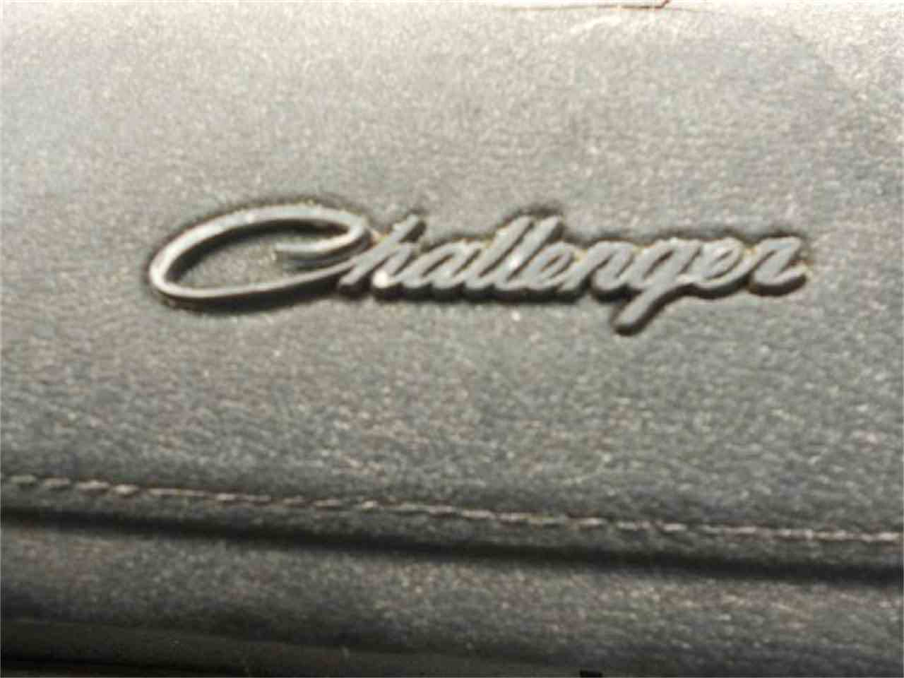 Large Picture of '72 Challenger - J1O6
