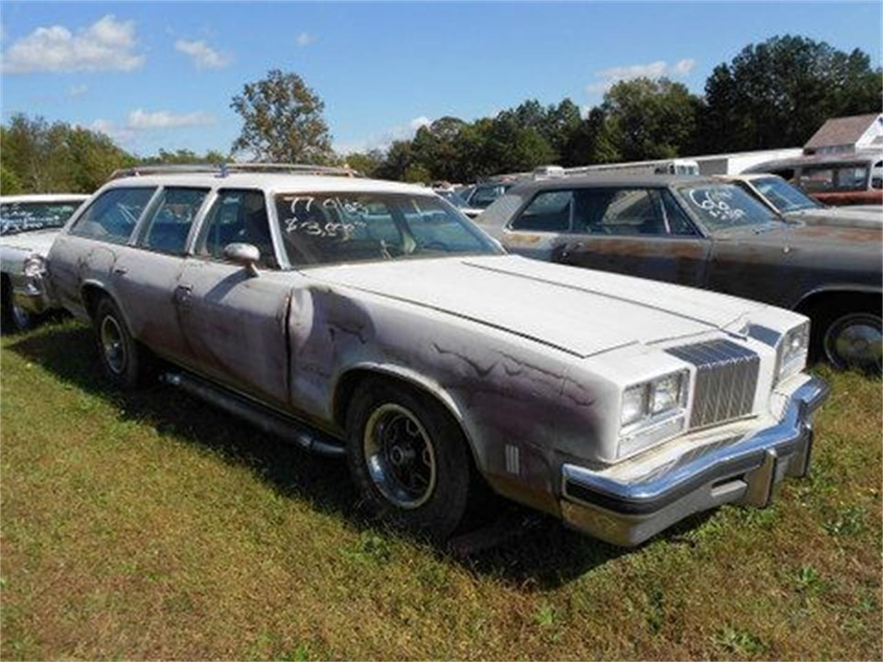Large Picture of 1977 Oldsmobile Custom Cruiser located in Gray Court South Carolina Offered by Classic Cars of South Carolina - J1OS
