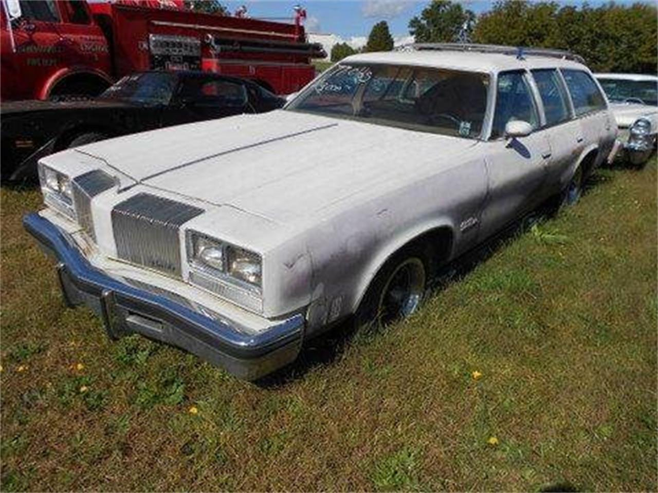Large Picture of '77 Oldsmobile Custom Cruiser located in Gray Court South Carolina Offered by Classic Cars of South Carolina - J1OS