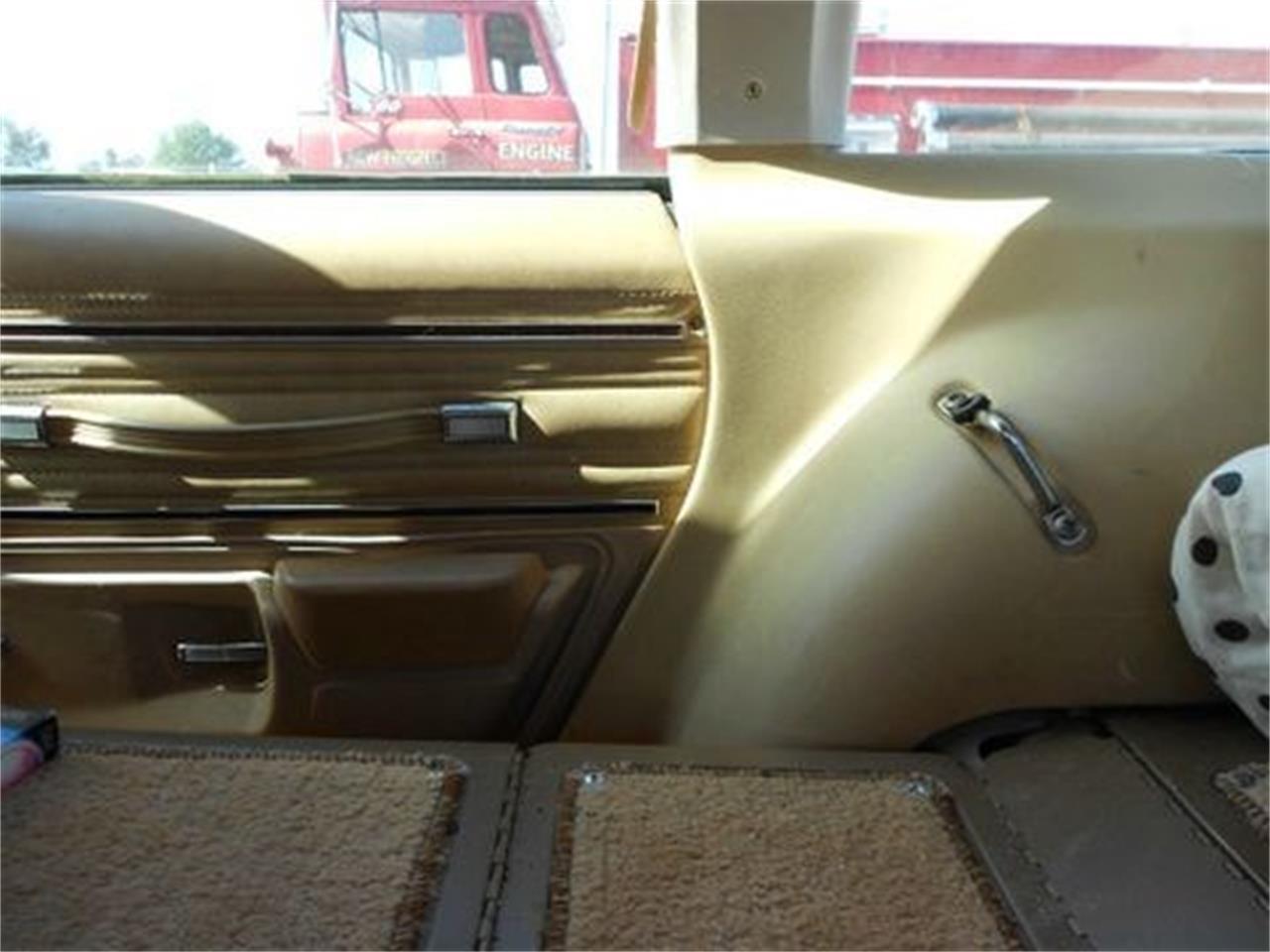 Large Picture of 1977 Oldsmobile Custom Cruiser - $1,500.00 - J1OS