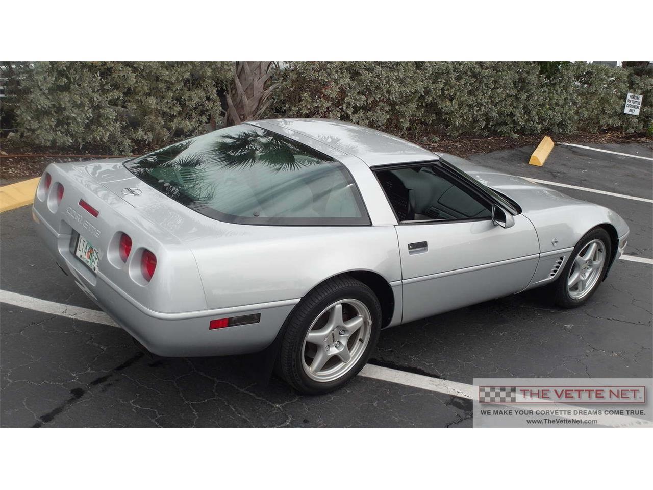 Large Picture of 1996 Chevrolet Corvette - IVON