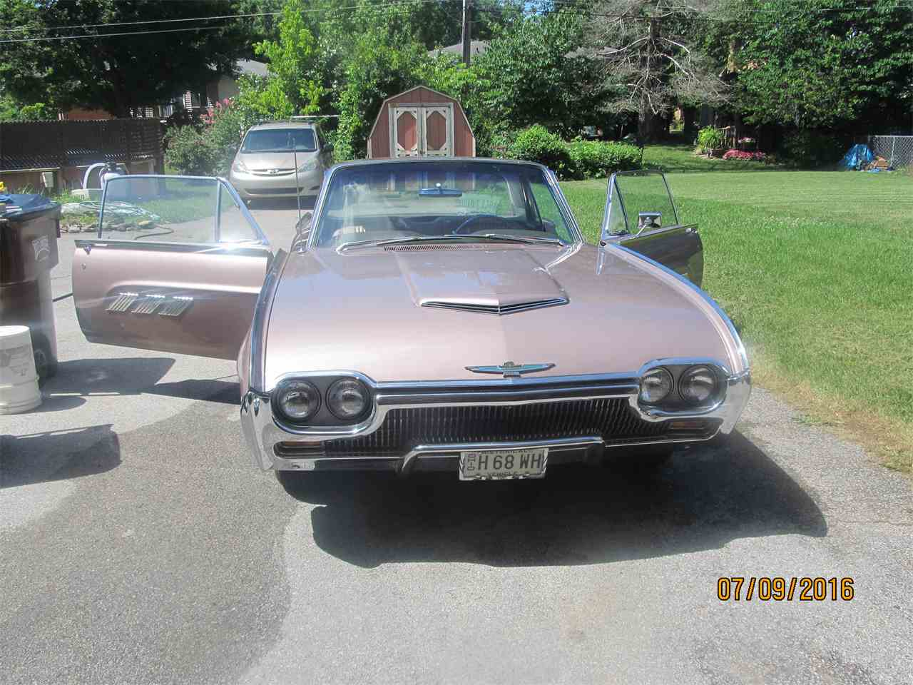 Large Picture of '63 Thunderbird - J1SL