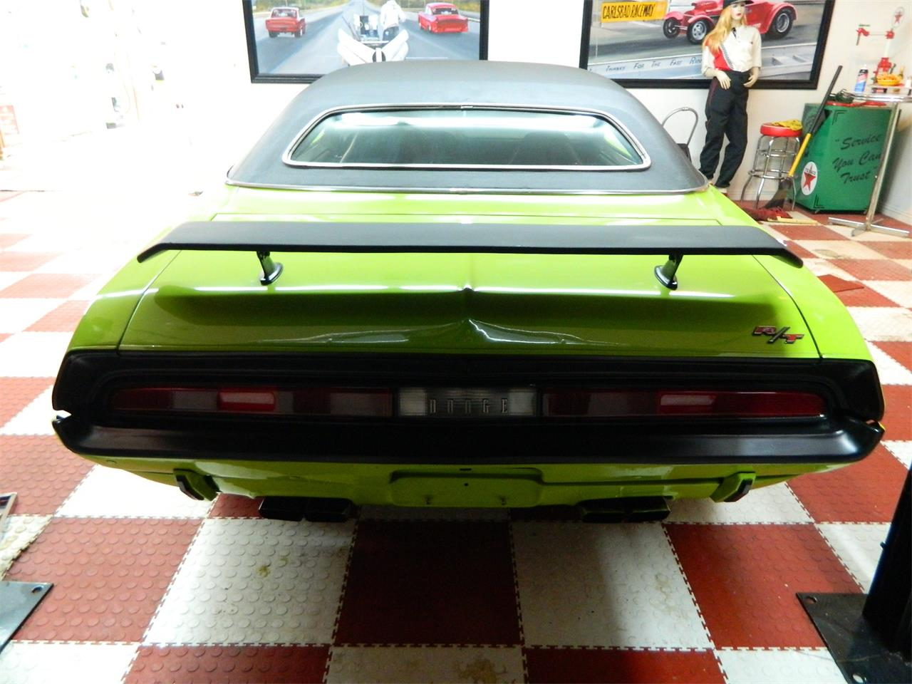 Large Picture of '70 Challenger - J1Z7