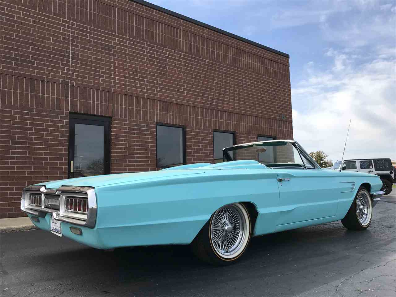 Large Picture of '65 Thunderbird - J220