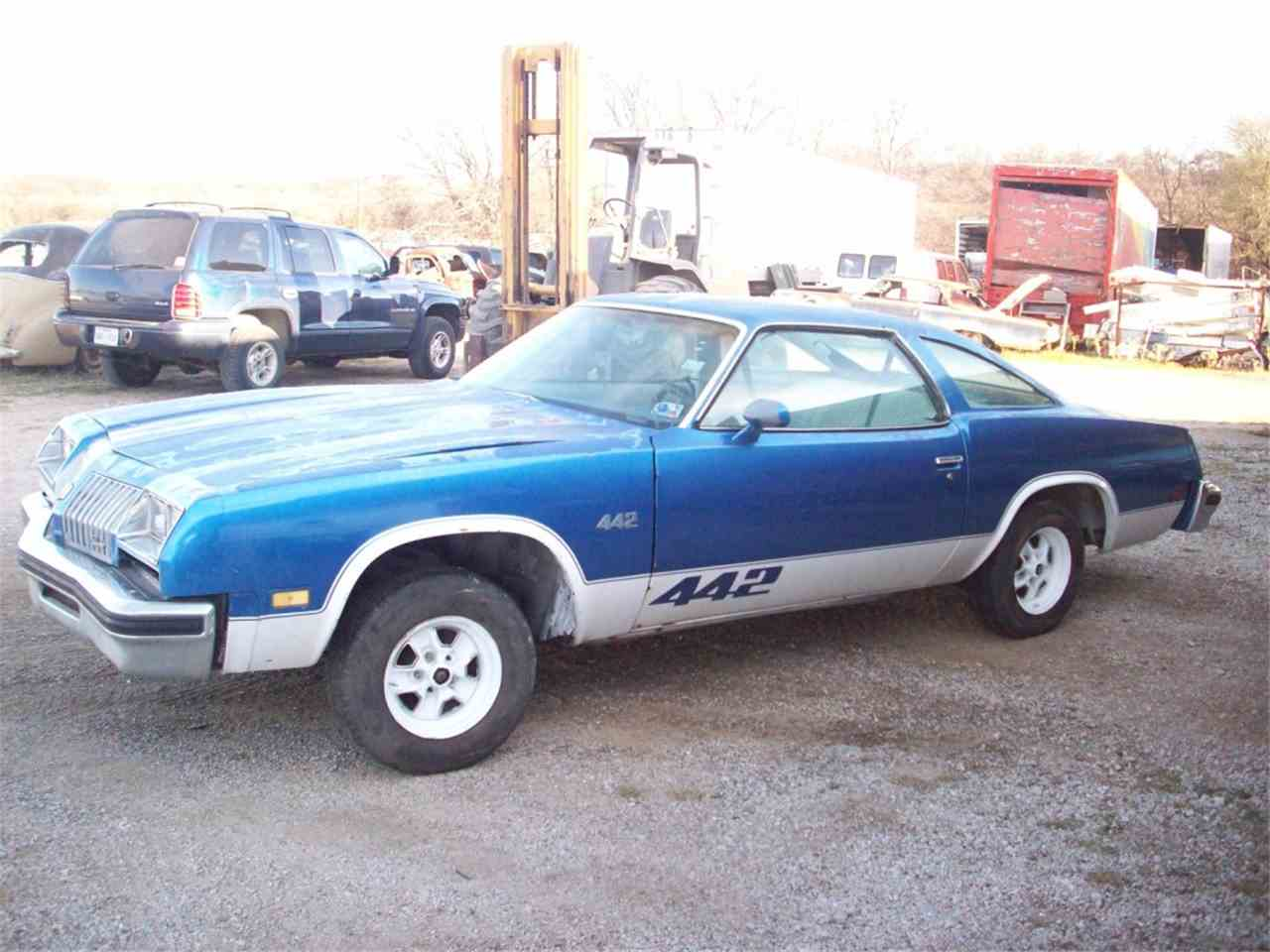 Large Picture of '76 Cutlass - J248