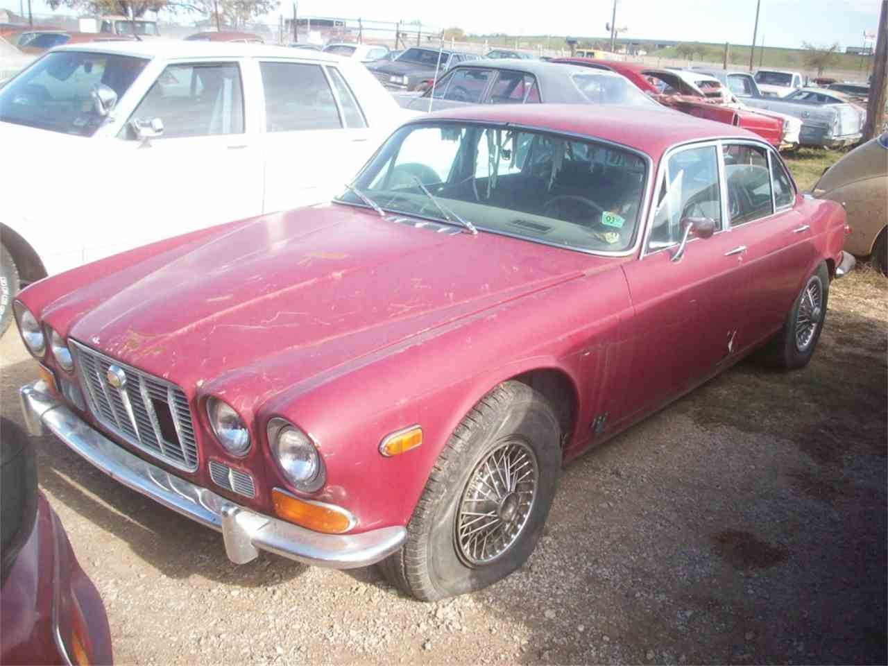 Large Picture of '71 Jaguar XJ6 located in Denton Texas - $2,200.00 - J24P