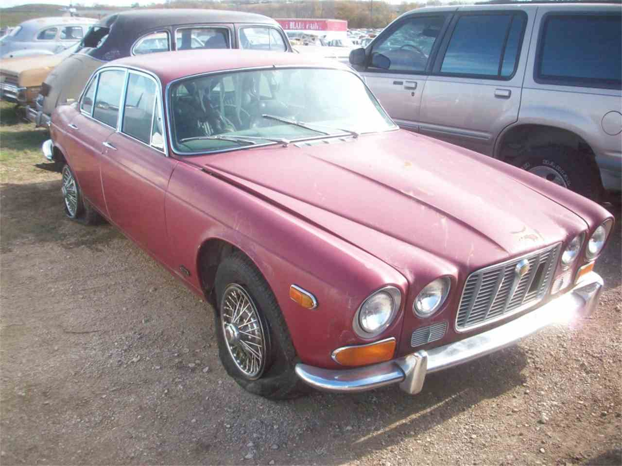 Large Picture of '71 XJ6 - J24P