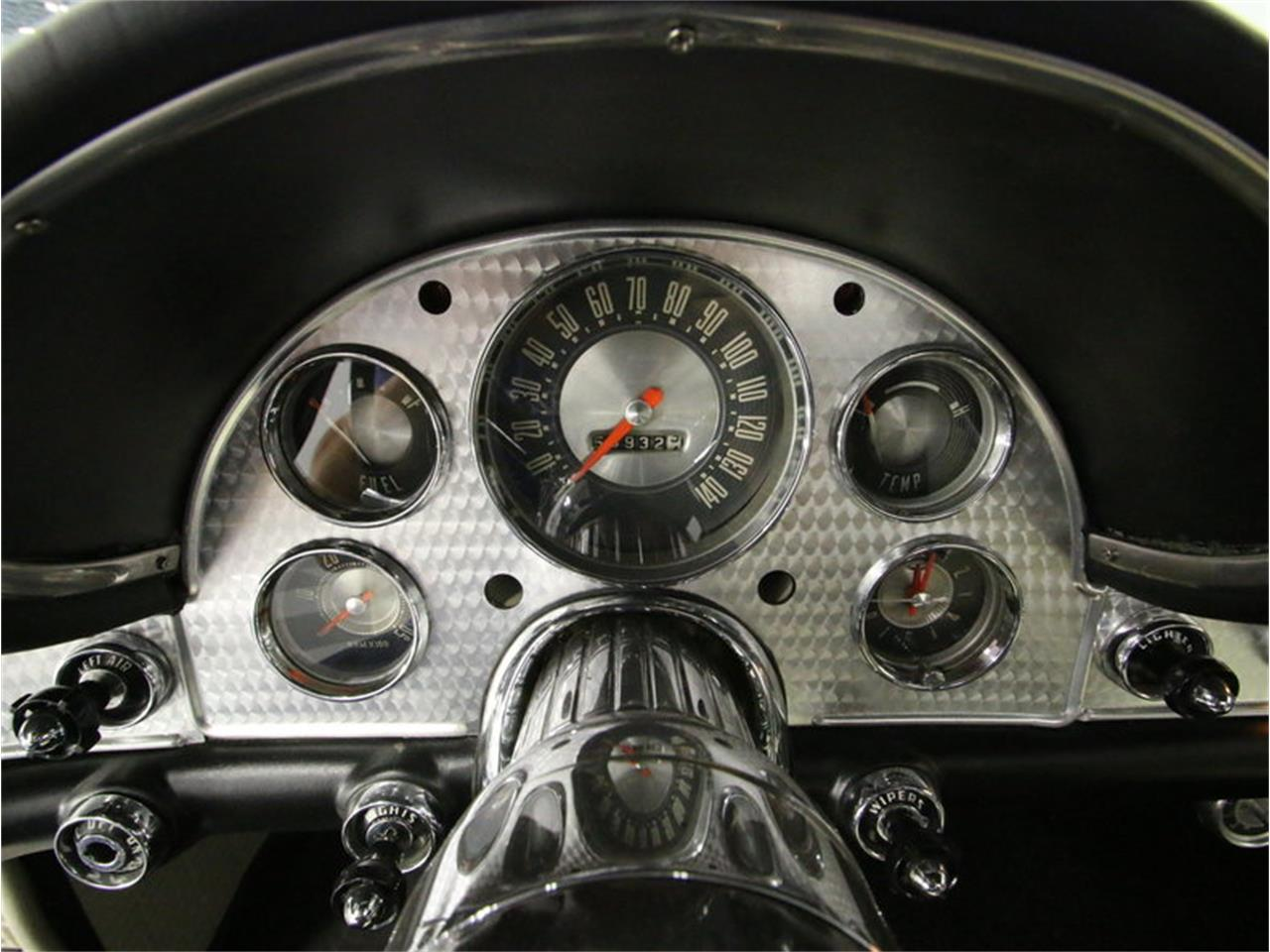 Large Picture of '57 Thunderbird - J27C