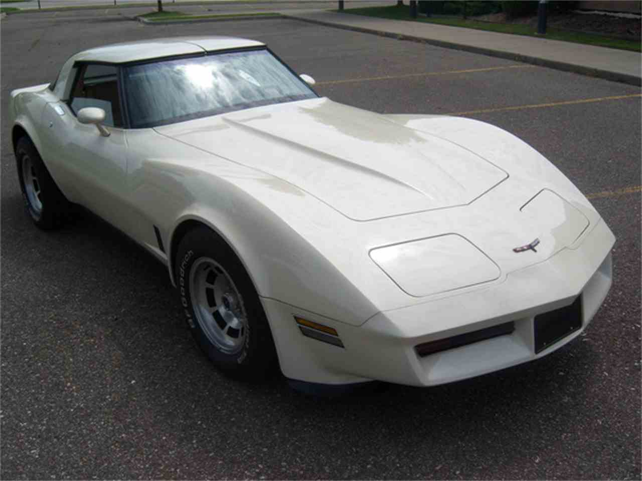 Large Picture of 1981 Corvette Offered by More Muscle Cars - J2I3