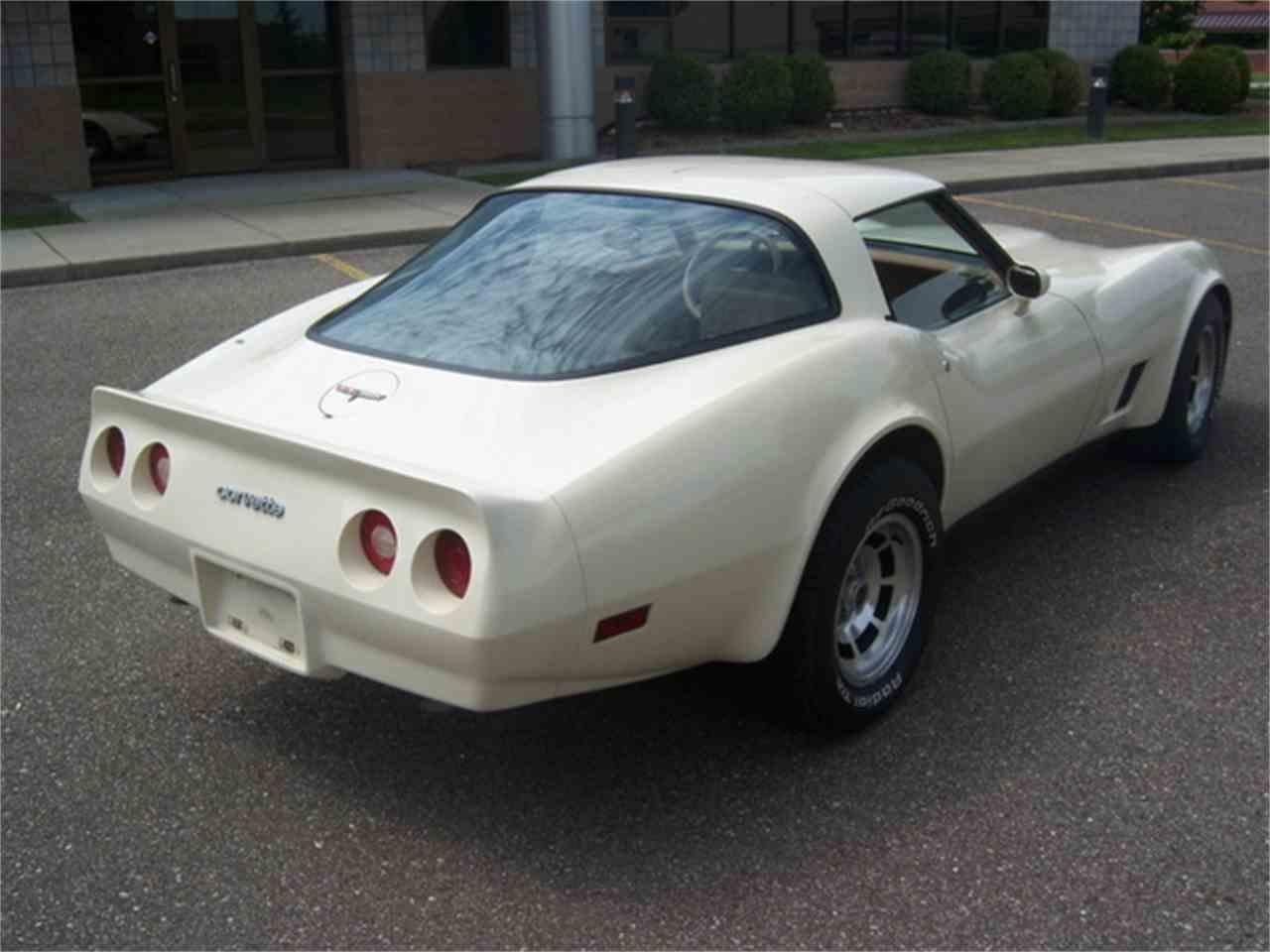 Large Picture of '81 Corvette - J2I3