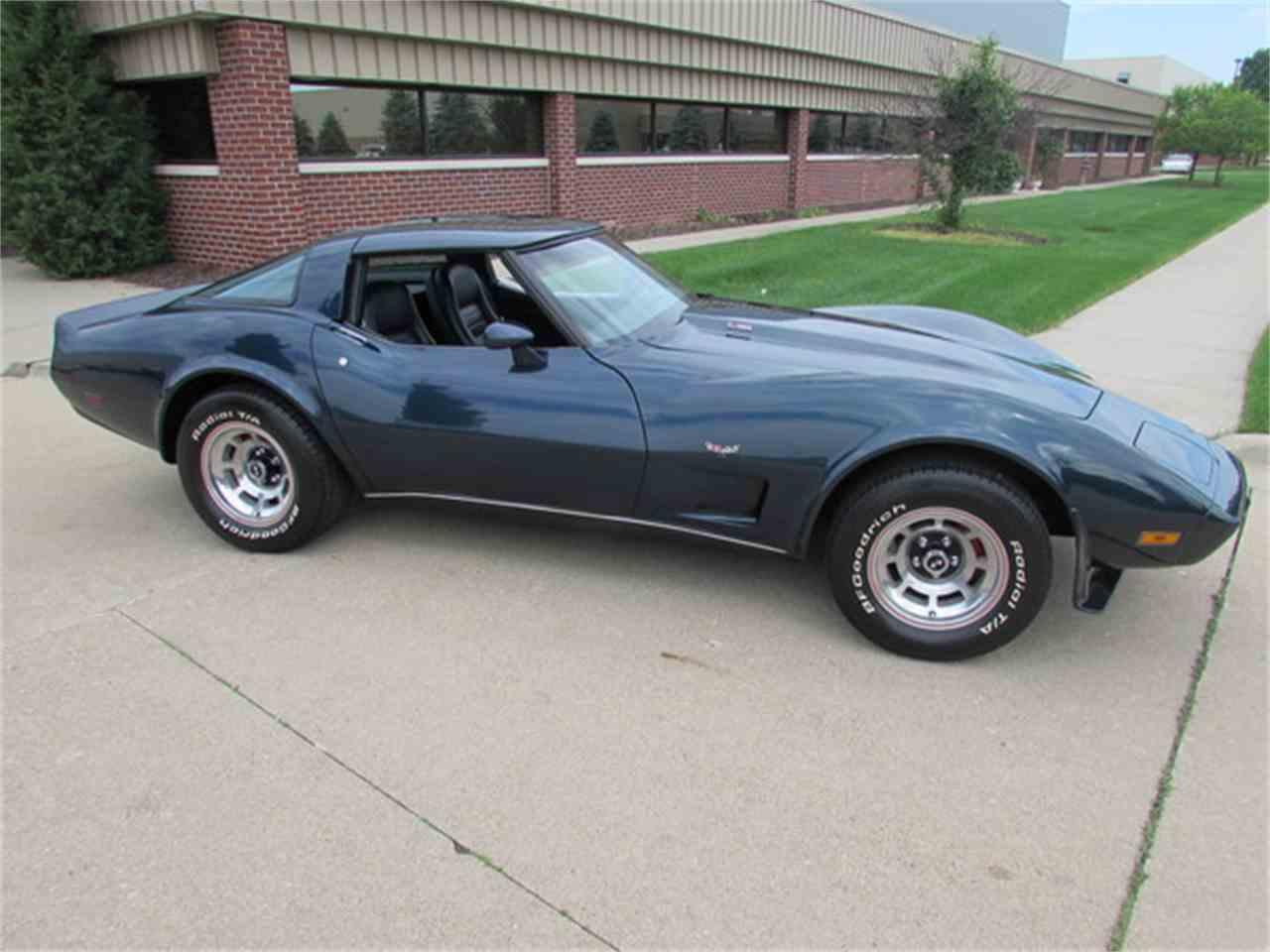 Large Picture of '79 Chevrolet Corvette located in Fort Myers/ Macomb, MI Florida - J2IA