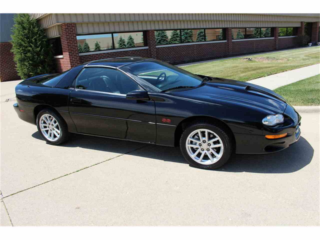 Large Picture of '01 Camaro SS - J2ID