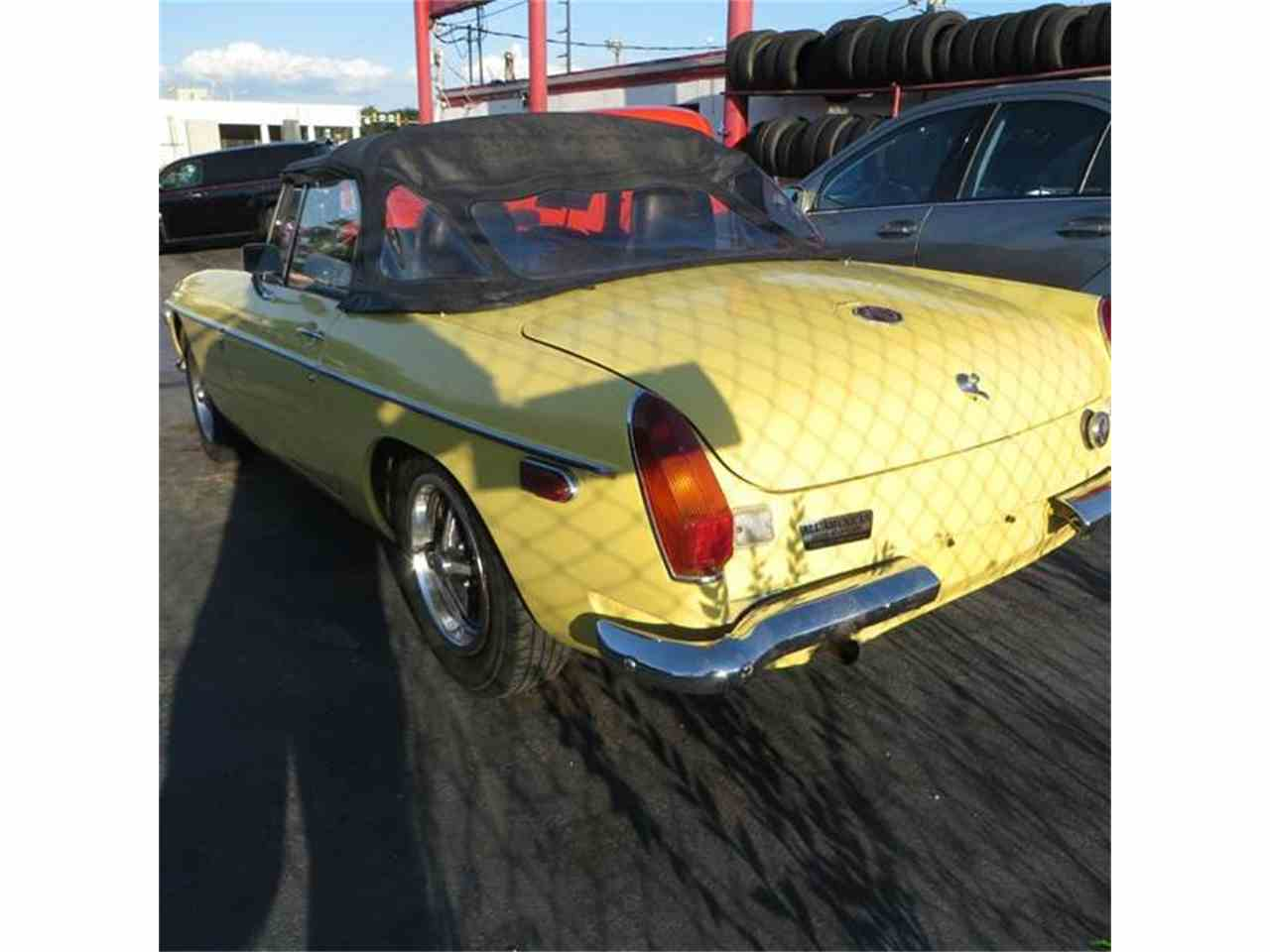 Large Picture of '70 MGB - J3ZU