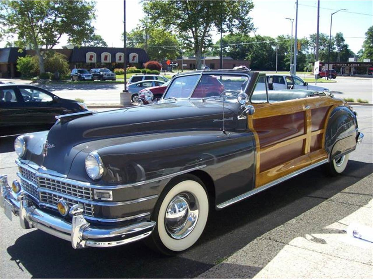 Large Picture of Classic 1949 Chrysler Town & Country located in Holland Michigan - J40N